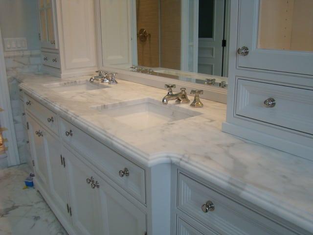Looking For Custom Bathroom Vanity Tops With Sinks In Tampa
