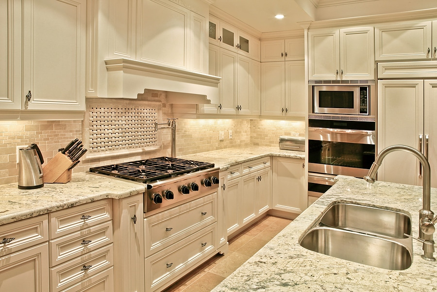 Light granite countertops in Tampa